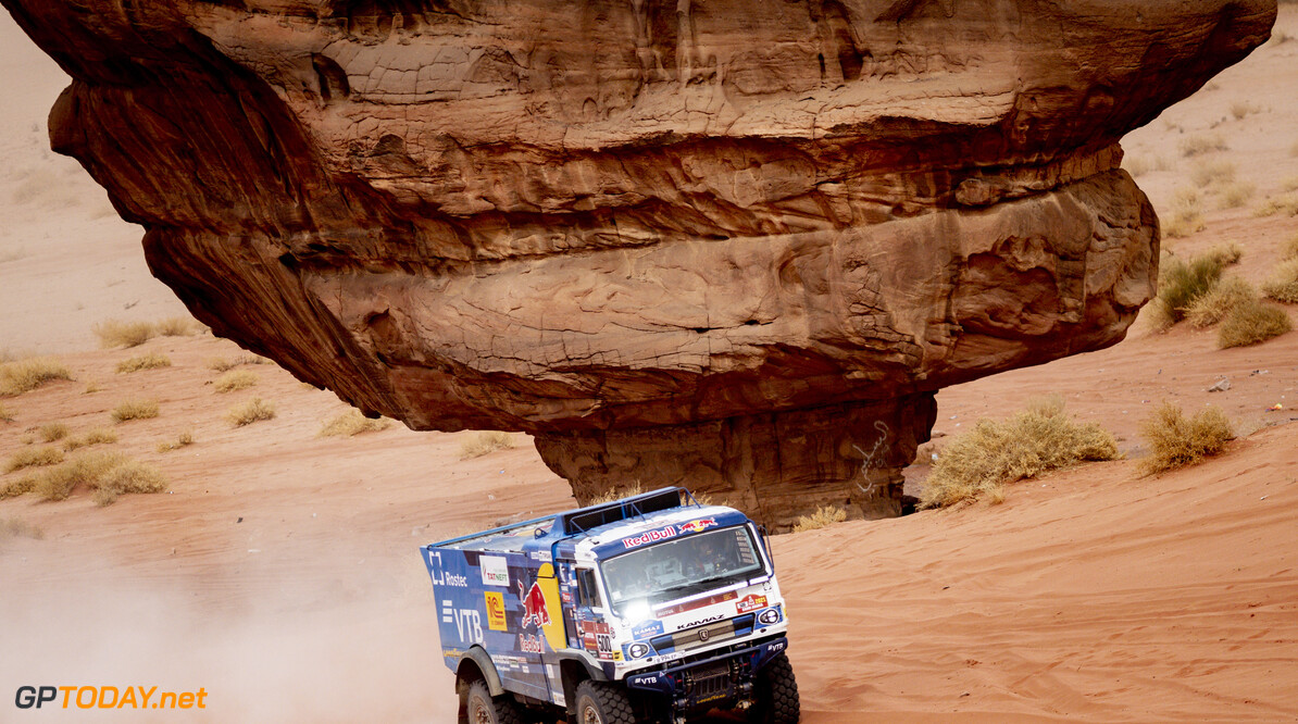 Andrey Karginov, Andrey Mokeev and Igor Leonov in the Kamaz of the KAMAZ Master Team races during the 10th stage of the Dakar 2021 between Neom and Al-?Ula, in Saudi Arabia on January 13, 2021. // Marcelo Maragni/Red Bull Content Pool // SI202101130042 // Usage for editorial use only //  Andrey Karginov, Andrey Mokeev and Igor Leonov     SI202101130042