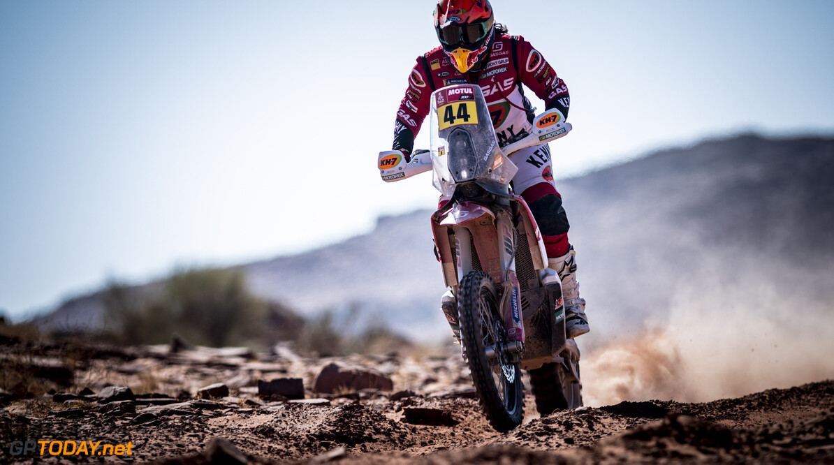 Laia Sanz races during stage 09 of Rally Dakar 2021 from Neom to Neom, Saudi Arabia on January 12, 2021 // Marcelo Maragni/Red Bull Content Pool // SI202101120097 // Usage for editorial use only //  Laia Sanz      SI202101120097