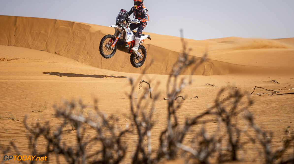 Daniel Sanders (AUS) of KTM Factory Racing races during stage 06 of Rally Dakar2021 from Buraydah to Hail, Saudi Arabia on January 08, 2021 // Marcelo Maragni/Red Bull Content Pool // SI202101080134 // Usage for editorial use only //  Daniel Sanders     SI202101080134