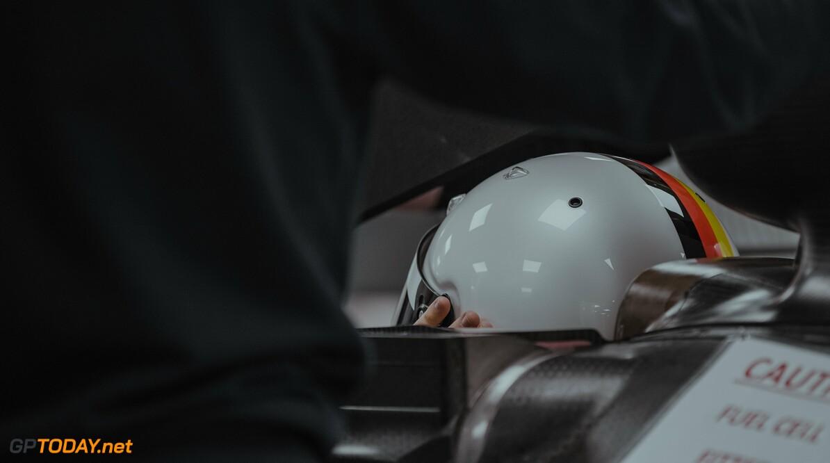 'Vettel opgetogen na eerste rit met Aston Martin in de simulator'