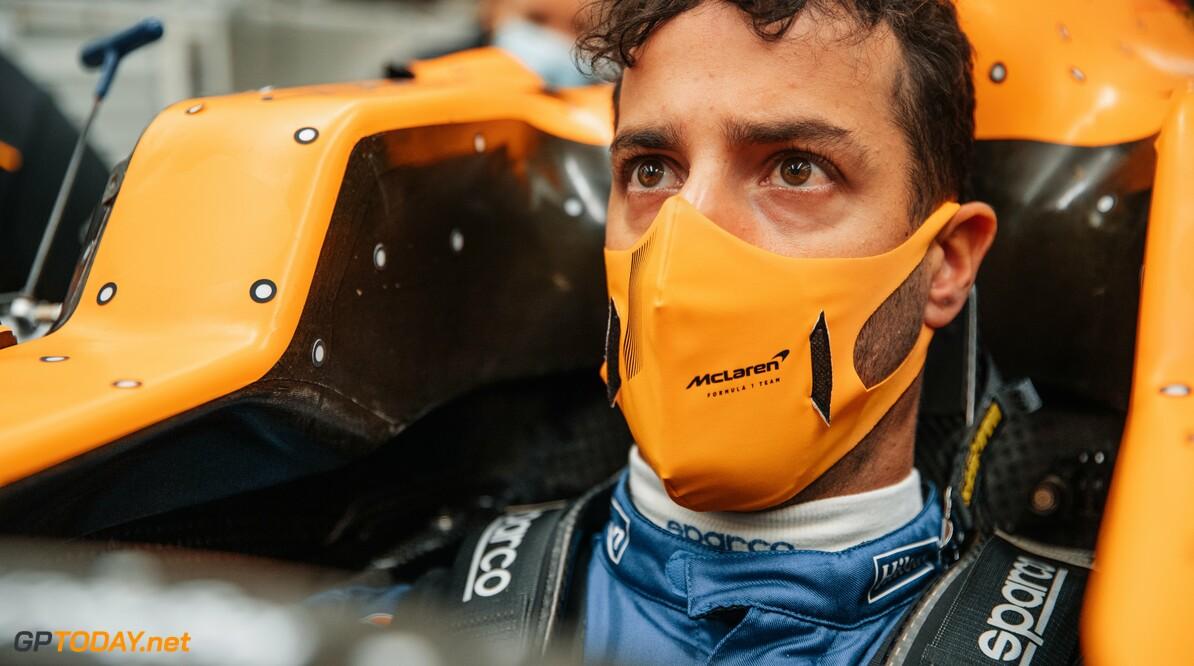 Daniel Ricciardo verricht 'seatfitting' bij zijn nieuwe team McLaren