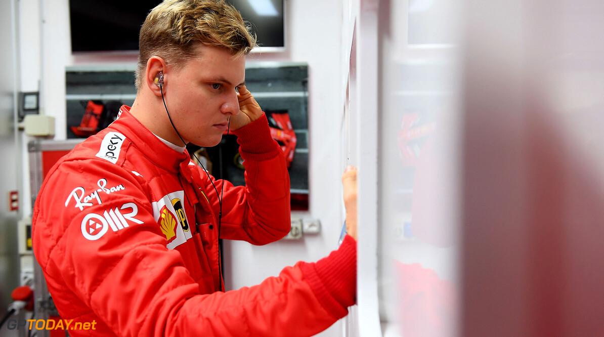 Mick Schumacher bekritiseerd voor neutrale opstelling