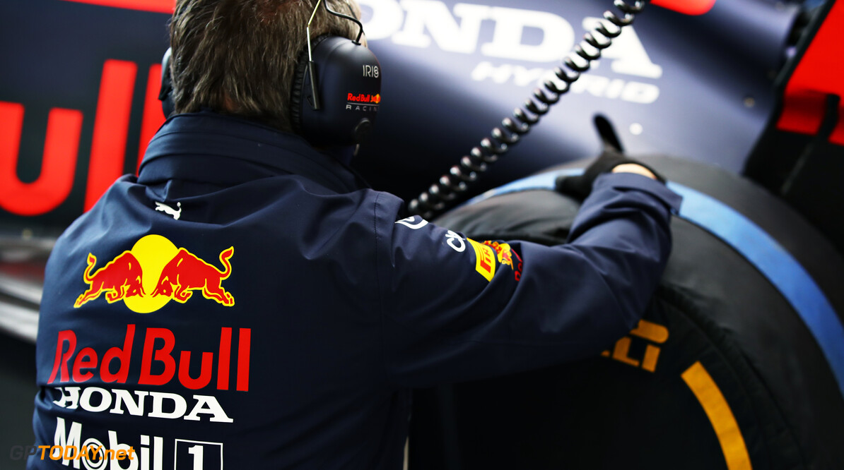 NORTHAMPTON, ENGLAND - FEBRUARY 24: A member of the Red Bull Racing team works in the garage during the Red Bull Racing Filming Day at Silverstone on February 24, 2021 in Northampton, England. (Photo by Mark Thompson/Getty Images for Red Bull Racing) // Getty Images / Red Bull Content Pool  // SI202102240118 // Usage for editorial use only //  Team Member     SI202102240118