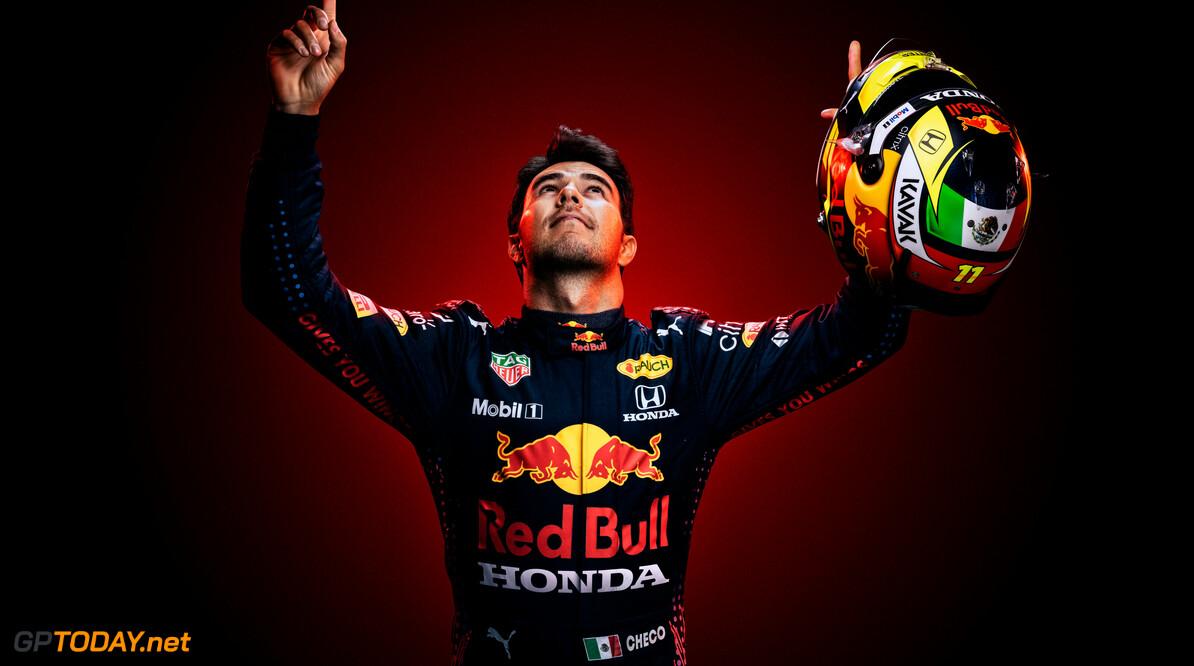 Sergio Perez en Carlos Sainz in Bahrein gevaccineerd tegen corona