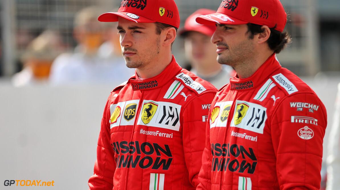 <b>Video:</b> Charles Leclerc en Carlos Sainz vermaken zich op Imola