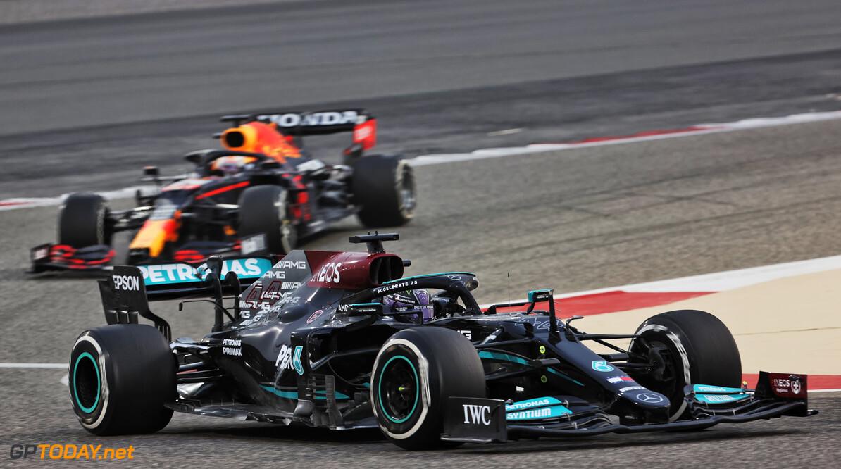 <b>Video:</b> 'Zege Mercedes in Bahrein zou klap zijn voor Red Bull Racing'
