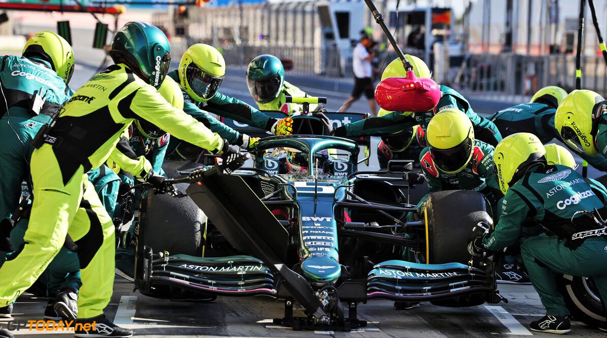 """Sebastian Vettel heeft aanpassingsproblemen: """"Deze auto heeft andere rijstijl nodig"""""""