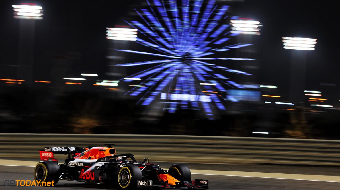 <b>Samenvatting VT3 GP Bahrein:</b> Max Verstappen dominant met Hamilton op 7 tienden achterstand
