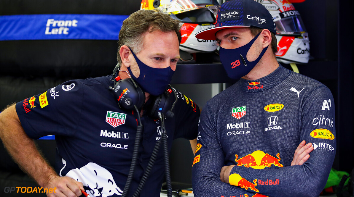 BAHRAIN, BAHRAIN - MARCH 27: Max Verstappen of Netherlands and Red Bull Racing and Red Bull Racing Team Principal Christian Horner talk in the garage during qualifying ahead of the F1 Grand Prix of Bahrain at Bahrain International Circuit on March 27, 2021 in Bahrain, Bahrain. (Photo by Mark Thompson/Getty Images) // Getty Images / Red Bull Content Pool  // SI202103270296 // Usage for editorial use only //  F1 Grand Prix of Bahrain - Qualifying     SI202103270296