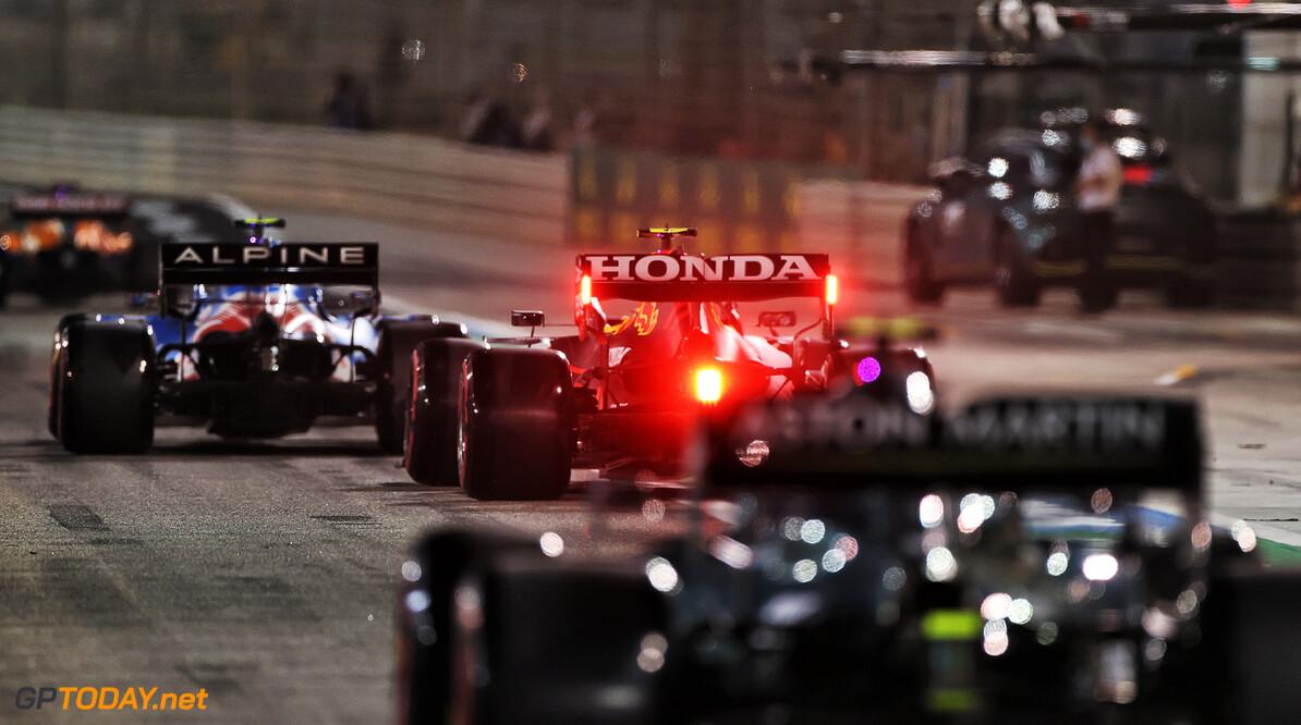 Red Bull Racing vervangt accu en control electronics van Perez zijn RB16B