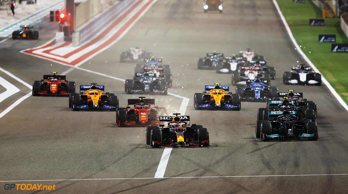 BAHRAIN, BAHRAIN - MARCH 28: Max Verstappen of Netherlands and Red Bull Racing leads the field at the start of the race during the F1 Grand Prix of Bahrain at Bahrain International Circuit on March 28, 2021 in Bahrain, Bahrain. (Photo by Bryn Lennon/Getty Images) // Getty Images / Red Bull Content Pool  // SI202103280126 // Usage for editorial use only //  F1 Grand Prix of Bahrain     SI202103280126