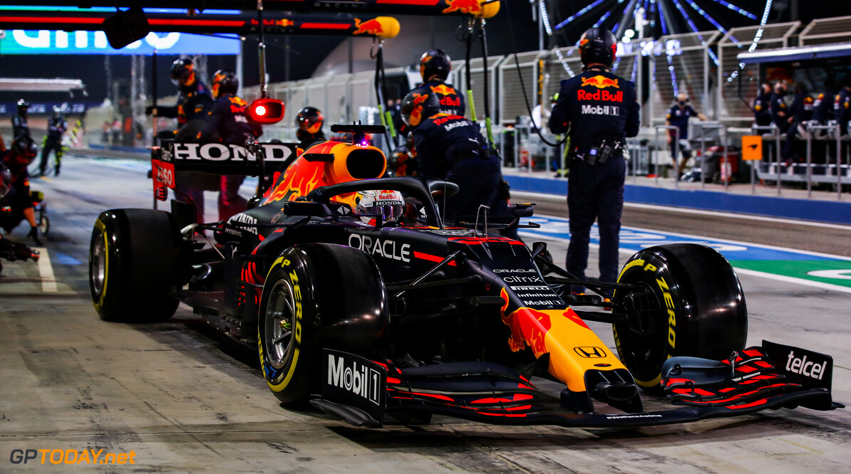 BAHRAIN, BAHRAIN - MARCH 28: Max Verstappen of the Netherlands driving the (33) Red Bull Racing RB16B Honda makes a pitstop during the F1 Grand Prix of Bahrain at Bahrain International Circuit on March 28, 2021 in Bahrain, Bahrain. (Photo by Mark Thompson/Getty Images) // Getty Images / Red Bull Content Pool  // SI202103280226 // Usage for editorial use only //  F1 Grand Prix of Bahrain     SI202103280226