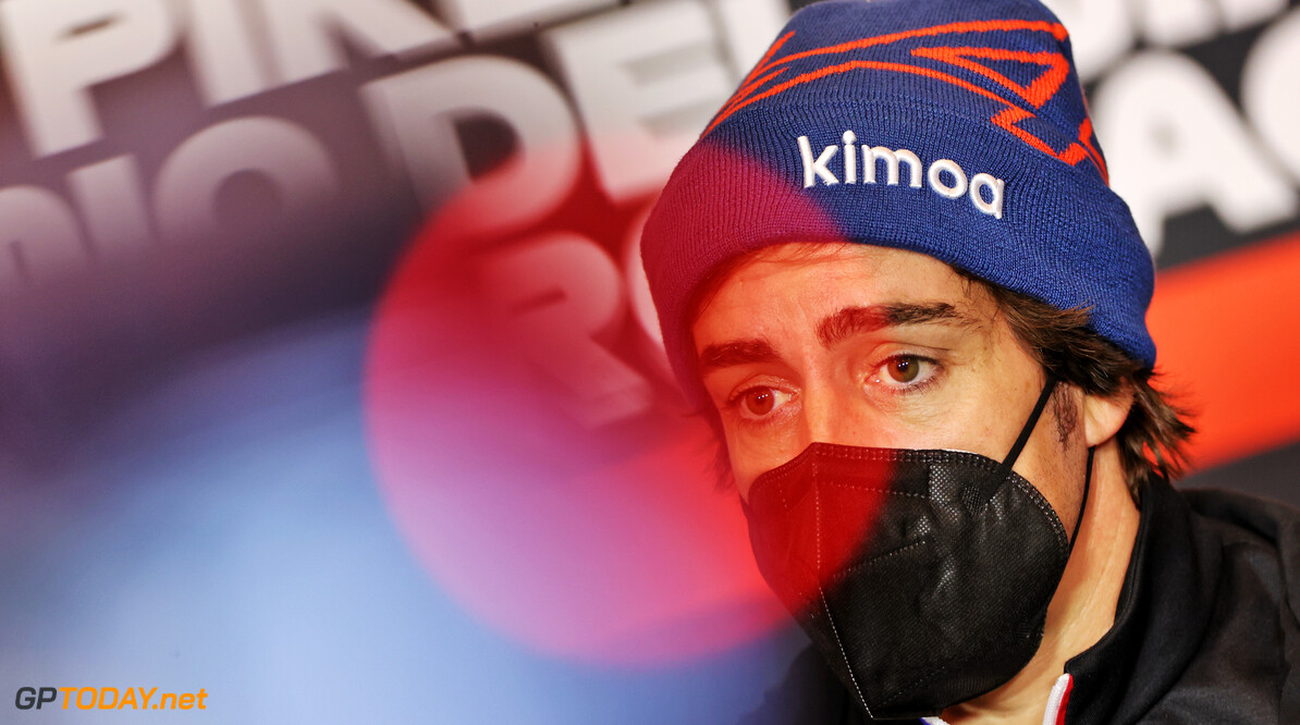 "Fernando Alonso vindt ""cadeautjes"" na vertoning op Spa-Francorchamps schokkend: ""Kerstman is vroeg dit jaar"""