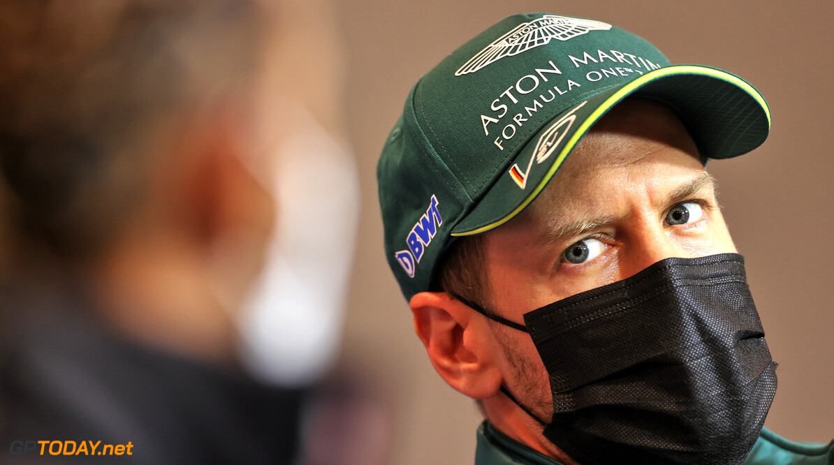 Sebastian Vettel op de korrel genomen door politici: 'Hypocriet figuur in brandstof slurpende F1 met een jetset-leven'