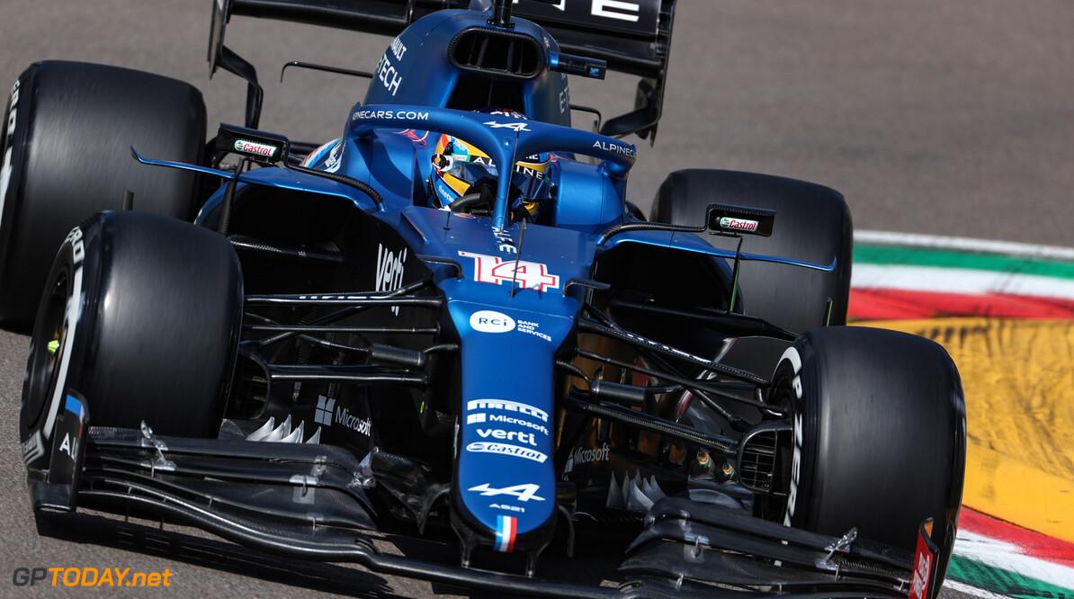 """Mark Webber vraagt zich af: """"Is Fernando Alonso nog wel snel genoeg?"""""""