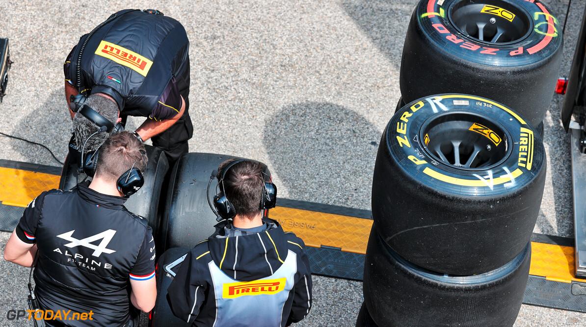 Sportkrant: 'Pirelli concludeert dat te lage bandenspanning crashes Lance Stroll en Max Verstappen veroorzaakten in Bakoe'