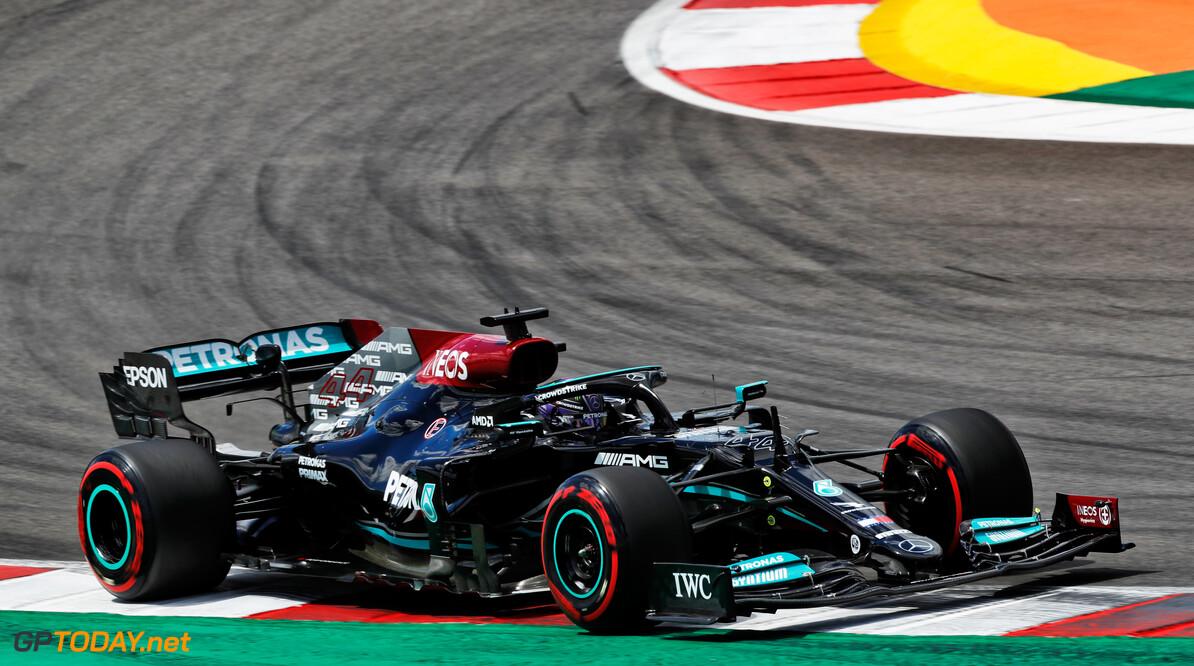 <b>Video:</b> Aan boord bij Lewis Hamilton tijdens zijn snelste ronde in VT2