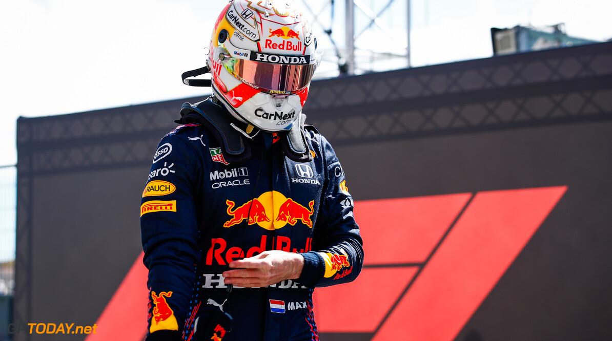"""Max Verstappen over tijd Mercedes tijdens kwalificatie: """"Ik dacht Oh My God!"""""""