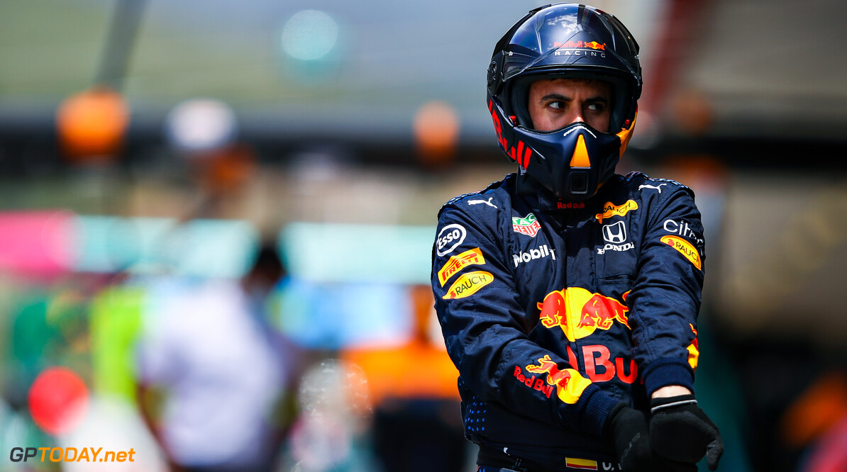 PORTIMAO, PORTUGAL - MAY 02: A Red Bull Racing team member walks in the Pitlane ahead of the F1 Grand Prix of Portugal at Autodromo Internacional Do Algarve on May 02, 2021 in Portimao, Portugal. (Photo by Mark Thompson/Getty Images) // Getty Images / Red Bull Content Pool  // SI202105020065 // Usage for editorial use only //  F1 Grand Prix of Portugal     SI202105020065
