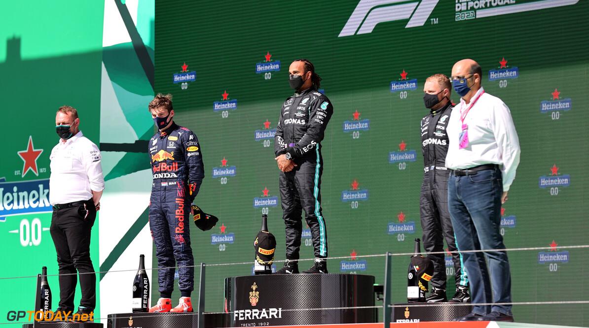 Christian Horner verwacht 'marathon' tussen Max Verstappen en Lewis Hamilton