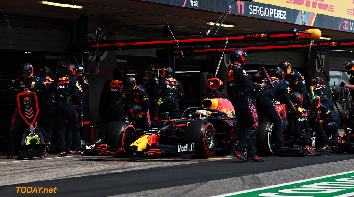 PORTIMAO, PORTUGAL - MAY 02: Max Verstappen of the Netherlands driving the (33) Red Bull Racing RB16B Honda comes in for a tyre change during the F1 Grand Prix of Portugal at Autodromo Internacional Do Algarve on May 02, 2021 in Portimao, Portugal. (Photo by Mark Thompson/Getty Images) // Getty Images / Red Bull Content Pool  // SI202105020478 // Usage for editorial use only //  F1 Grand Prix of Portugal     SI202105020478