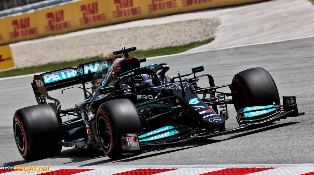 <b>Samenvatting kwalificatie GP Spanje:</b> Hamilton pakt honderdste pole position, Verstappen tweede en Bottas derde