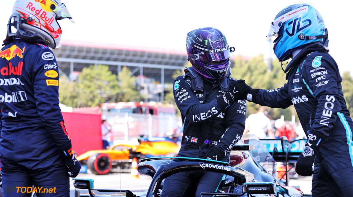 """Lewis Hamilton treurt om vertrek Valtteri Bottas bij Mercedes: """"Beste teamgenoot ooit"""""""