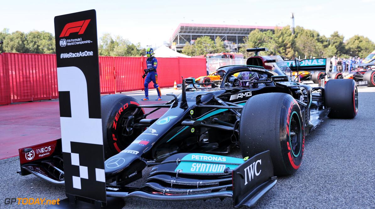 <b>Samenvatting GP Spanje:</b> Verstappen verliest gevecht met Hamilton vooraan, Bottas derde