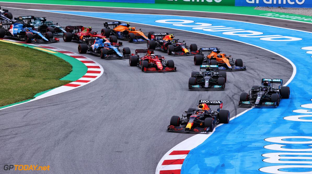Verstappen denkt dat sprintrace F1 flink gaat opschudden,  Hamilton verwacht er juist weinig van