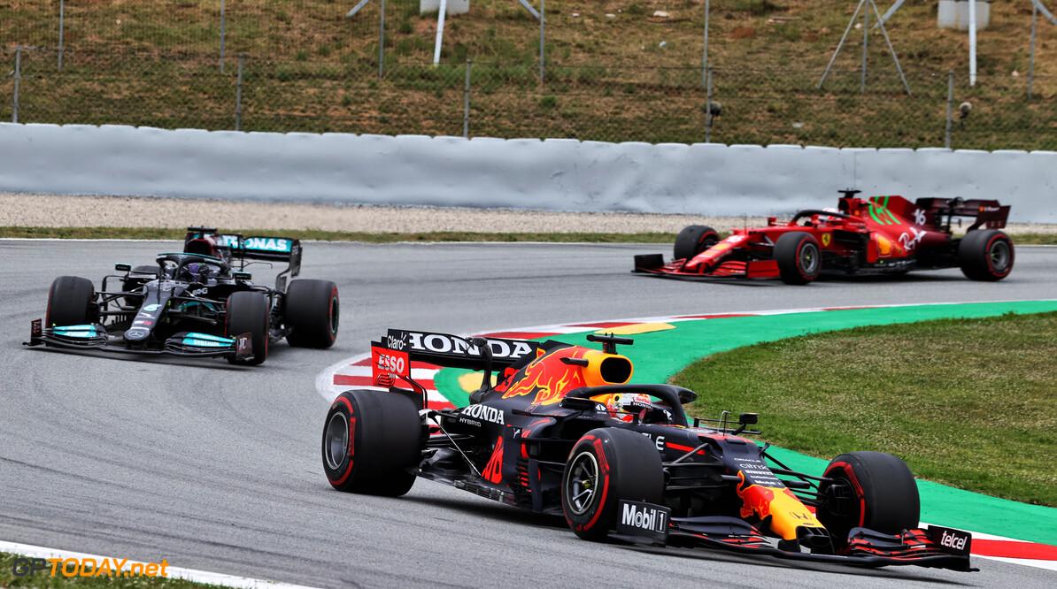 """Lewis Hamilton verstevigt leiding in het WK door  winst in Spanje: """"Ik was echt aan  het jagen"""""""