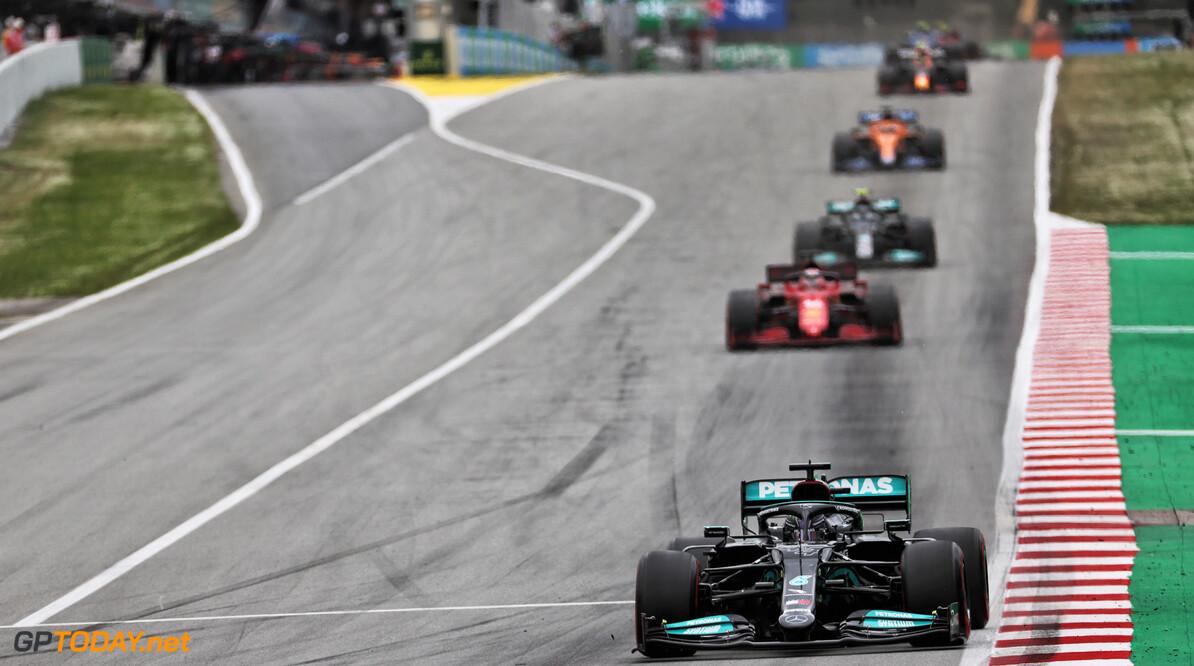 <b>Video: </b>Hamilton wordt opgehouden door Bottas en verliest tijd in achtervolging Max Verstappen