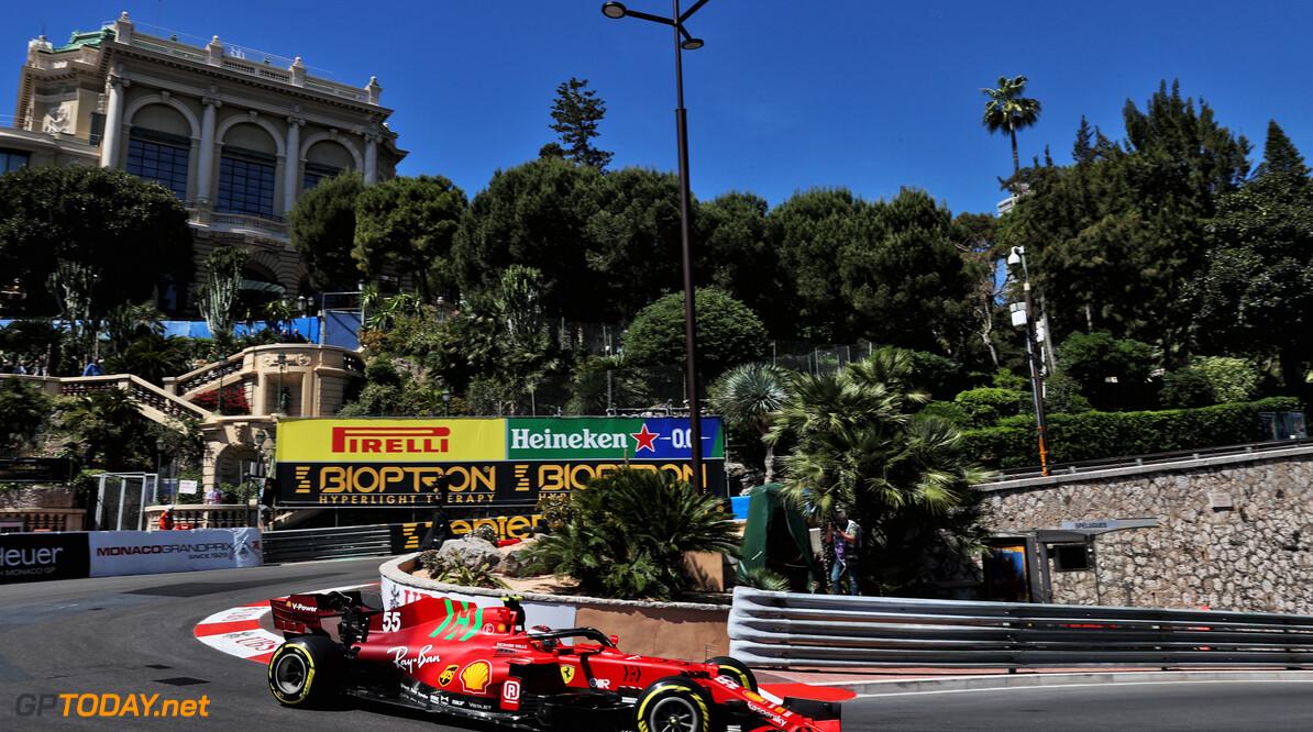 Ferrari-coureurs zetten Hamilton en Verstappen op 4 tienden tijdens tweede vrije training voor de Grand Prix van Monaco
