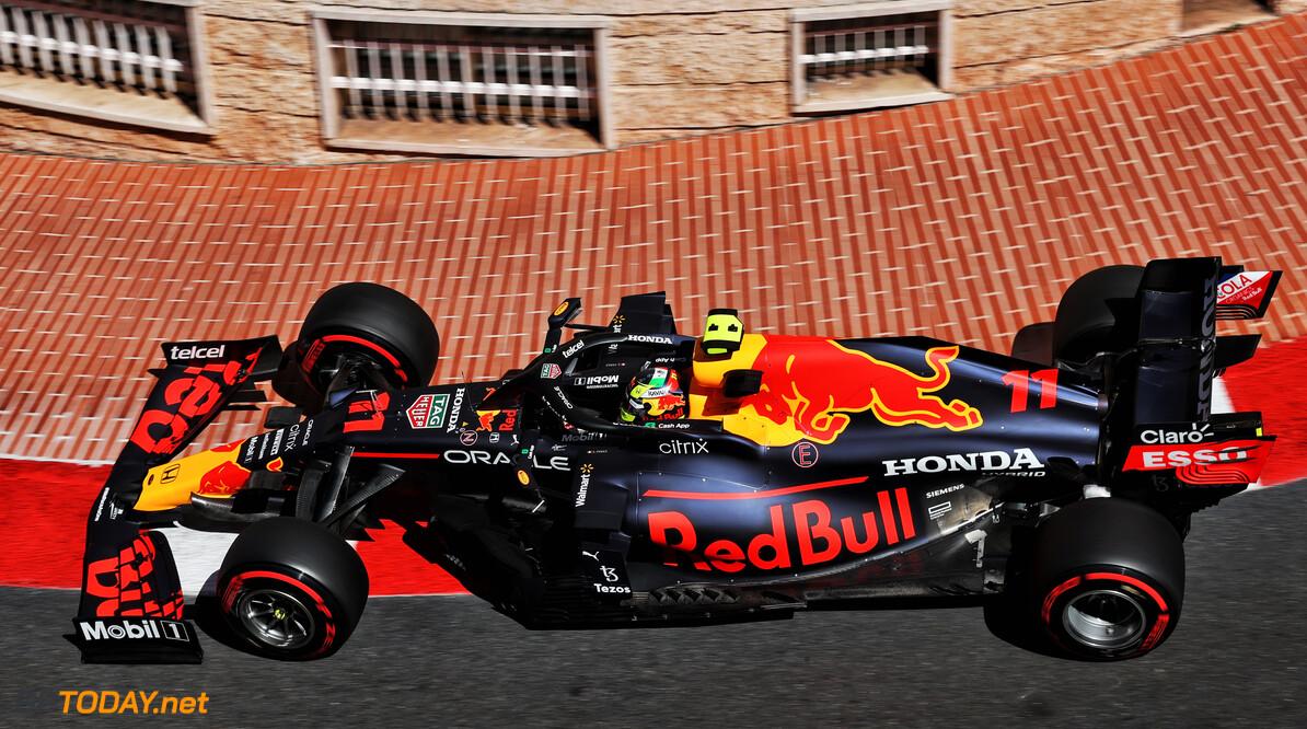 <b>Video: </b>Genieten in slow motion: Sergio Perez stuurt zijn Red Bull kunstig door de straten van Monaco