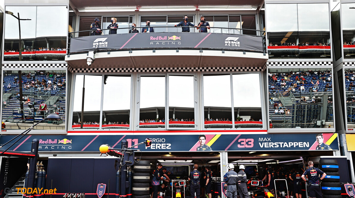 MONTE-CARLO, MONACO - MAY 22: A general view of the Red Bull Racing garage during qualifying for the F1 Grand Prix of Monaco at Circuit de Monaco on May 22, 2021 in Monte-Carlo, Monaco. (Photo by Mark Thompson/Getty Images) // Getty Images / Red Bull Content Pool  // SI202105220289 // Usage for editorial use only //  F1 Grand Prix of Monaco - Practice & Qualifying     SI202105220289