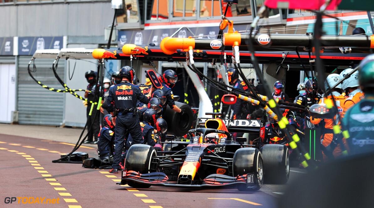 """Red Bull-baas Horner: """"Snelle pitstop verdient geen straf maar juist aanmoediging"""""""