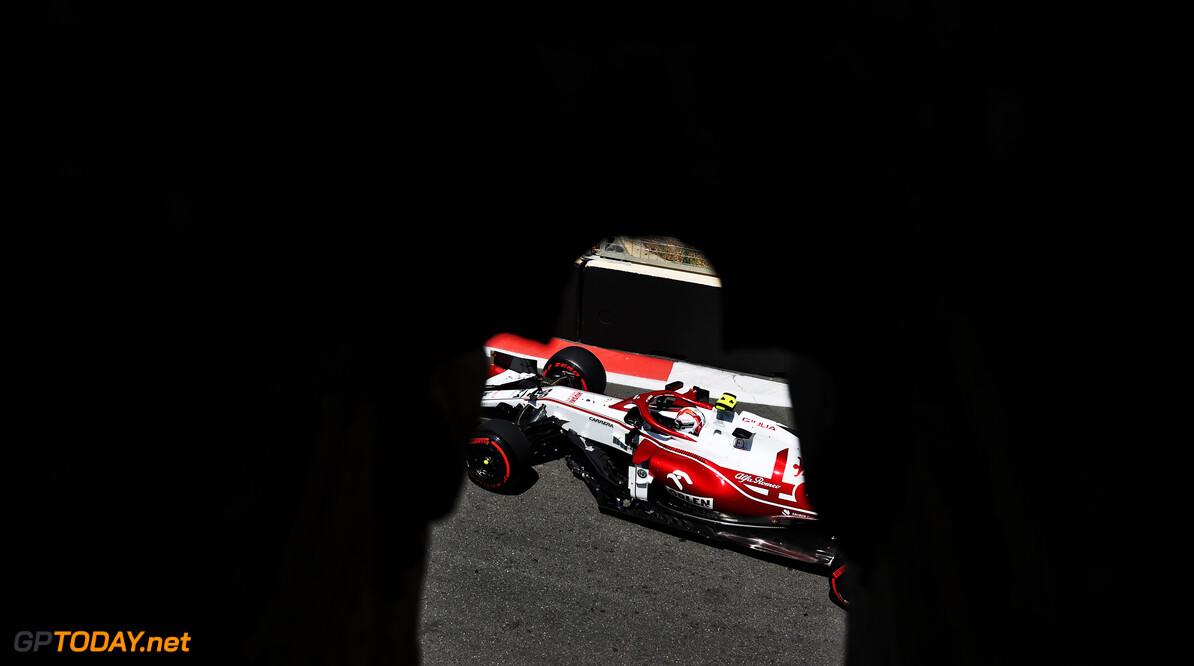 <b>Video: </b>Giovinazzi zorgt met crash voor tweede code rood