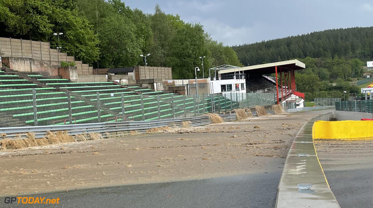 <b>Video: </b>Bizar: Modderstromen door noodweer op circuit Spa-Francorchamps