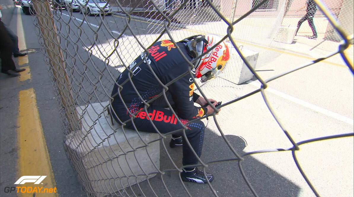 """Lewis Hamilton: """"Max reed toen niet meer, dus het kwam niet door de druk van Max"""""""