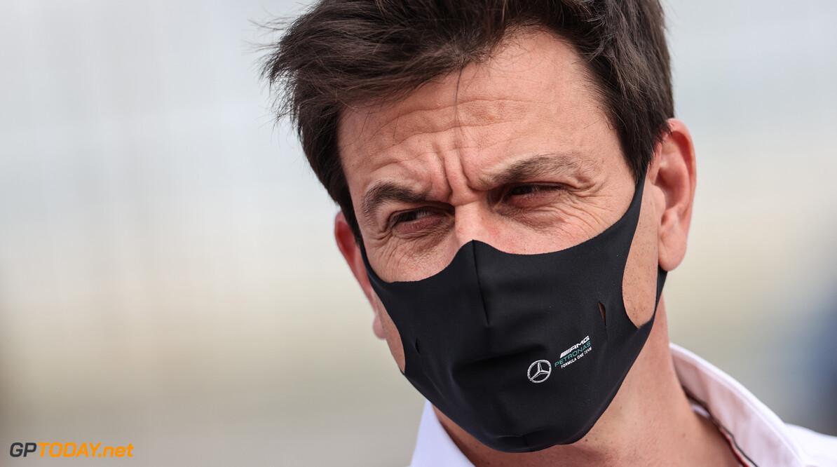 """Toto Wolff strijdvaardig na serie nederlagen voor Mercedes: """"Dit kampioenschap verre van voorbij"""""""