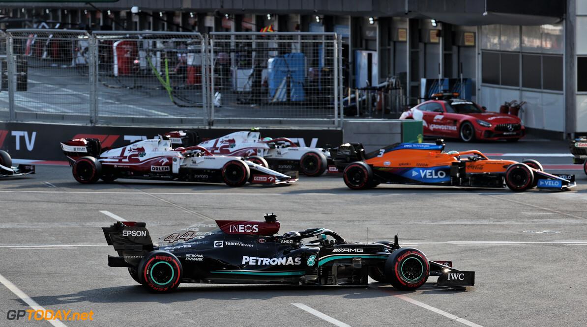 Mercedes houdt vast aan ingeslagen weg, ook nadat Honda updates aankondigt voor Verstappen en Perez