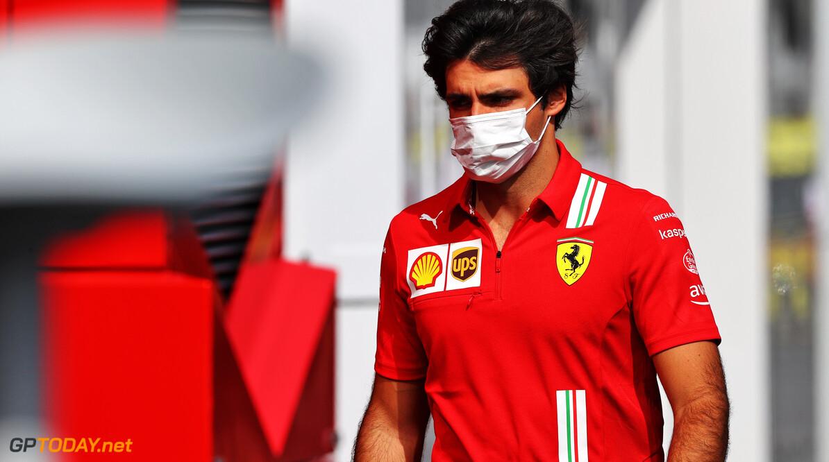 """Sainz ziet problemen opdoemen: """"Dit circuit ligt ons totaal niet"""""""