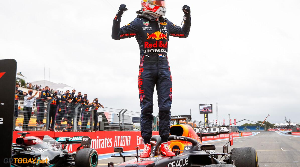 Max Verstappen verwacht wederom bloedstollend duel met titelrivaal Lewis Hamilton in Oostenrijk