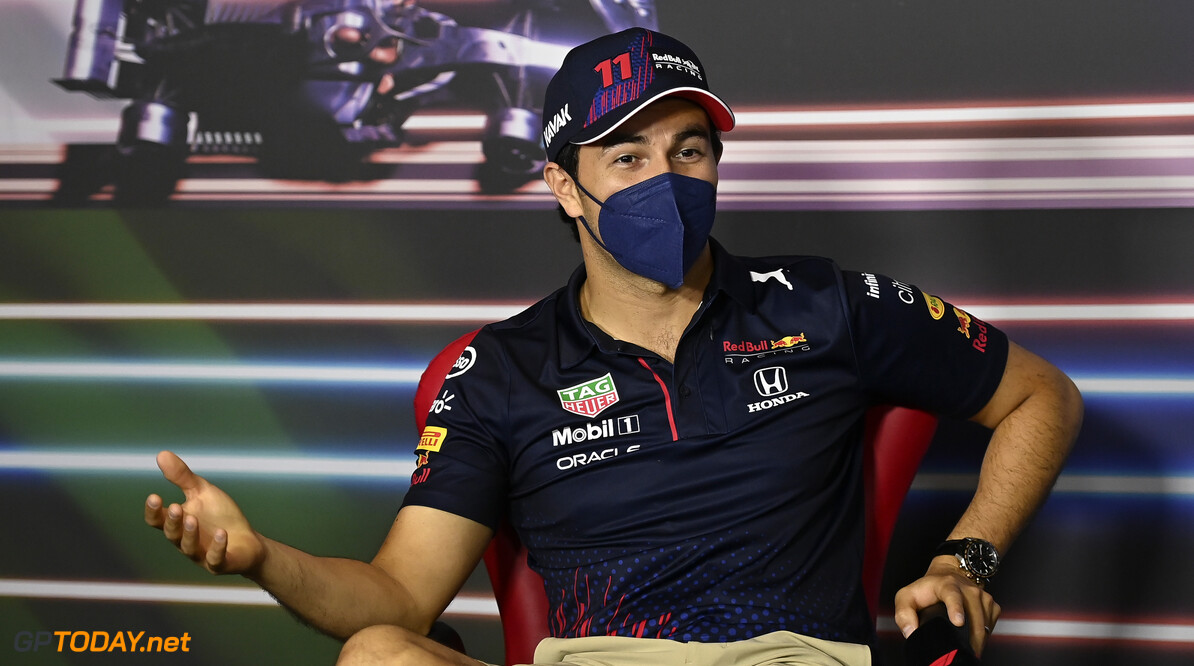 Christian Horner looft Sergio Perez, maar voor contractverlenging is het nog veel te vroeg
