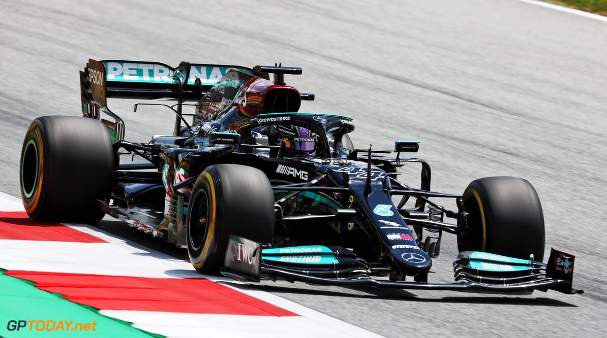 """Hamilton wil vechten met Verstappen: """"Ik kijk uit naar de race van morgen"""""""