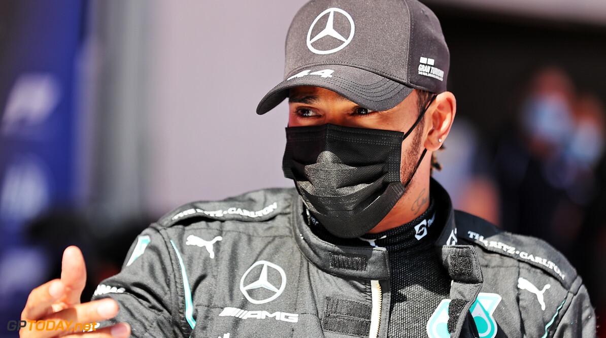 """Hamilton krijgt nieuwe tik van Verstappen: """"Ik had een eenzame race"""""""