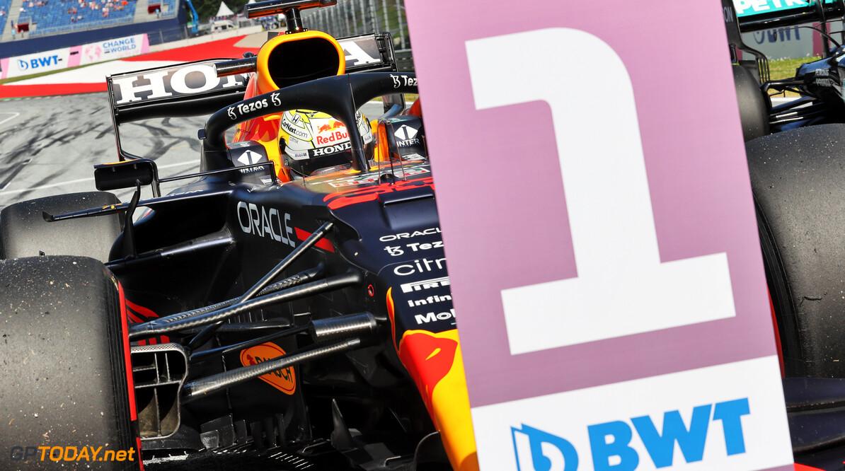 <b> Samenvatting  Formule 1 Grand Prix Stiermarken:  </b>  Max Verstappen vergroot leiding in WK op Hamilton na machtige overwinning in Oostenrijk