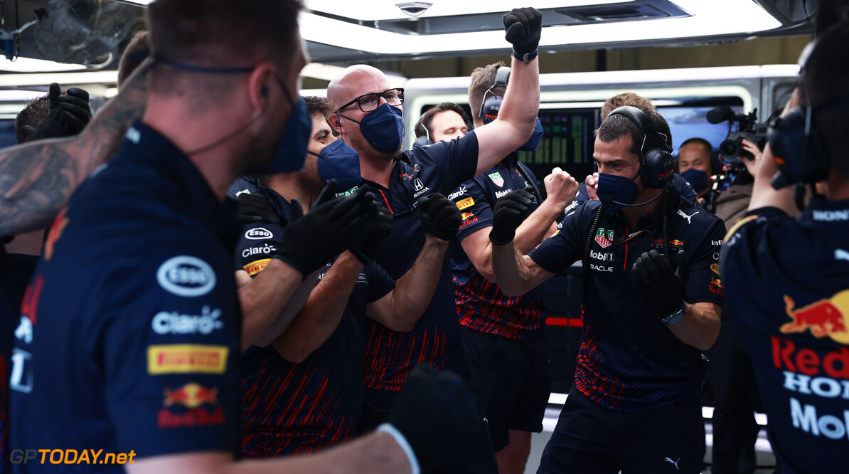 SPIELBERG, AUSTRIA - JUNE 26: The Red Bull Racing team celebrate in the garage during qualifying ahead of the F1 Grand Prix of Styria at Red Bull Ring on June 26, 2021 in Spielberg, Austria. (Photo by Mark Thompson/Getty Images) // Getty Images / Red Bull Content Pool  // SI202106260288 // Usage for editorial use only //  F1 Grand Prix of Styria - Qualifying     SI202106260288