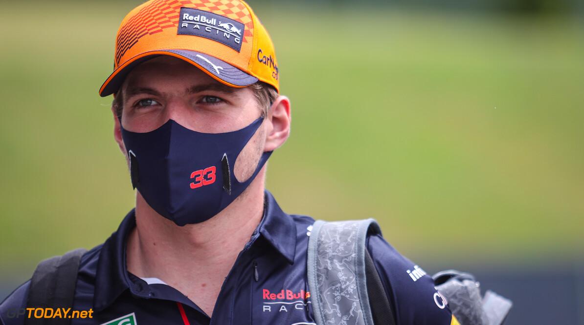 Max Verstappen maakt zich geen zorgen nadat hij twee tienden tekort komt op Hamilton in Spielberg
