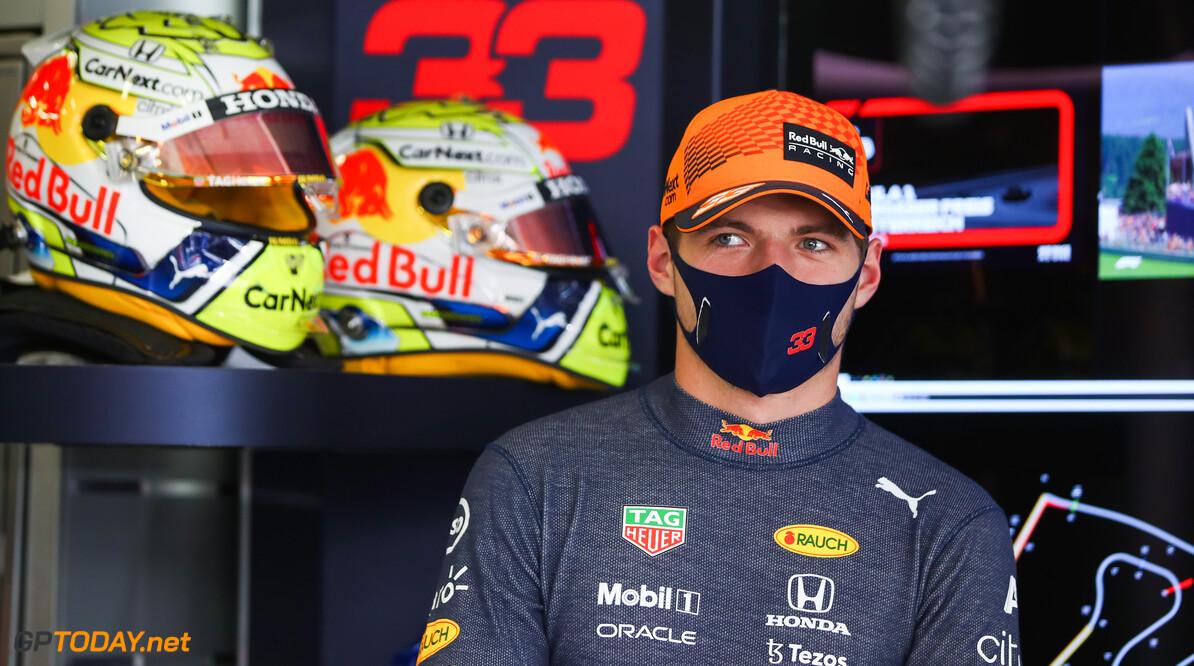 """Max Verstappen blijft kritisch na behaalde pole position """"Uiteindelijk wil je zo dicht mogelijk tegen perfectie aanzitten"""""""