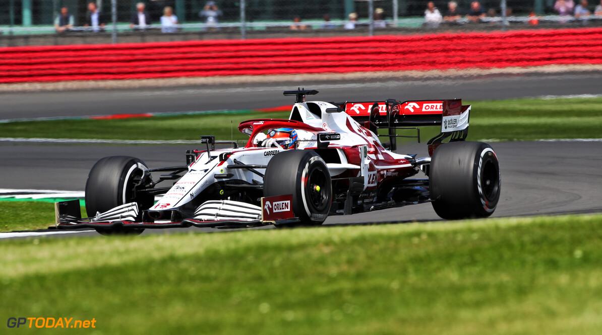 """Lastige race voor Kimi Raikkonen: """"Ging niet slecht tot de botsing met Perez"""""""